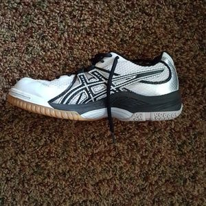 Asics NWT volleyball shoes
